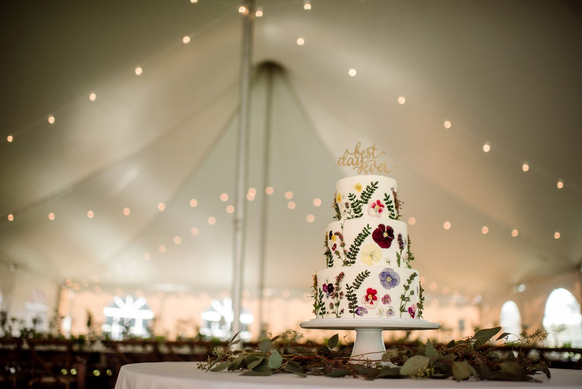 highly decorated bright flowers on cake voyageur wedding environmental center mn