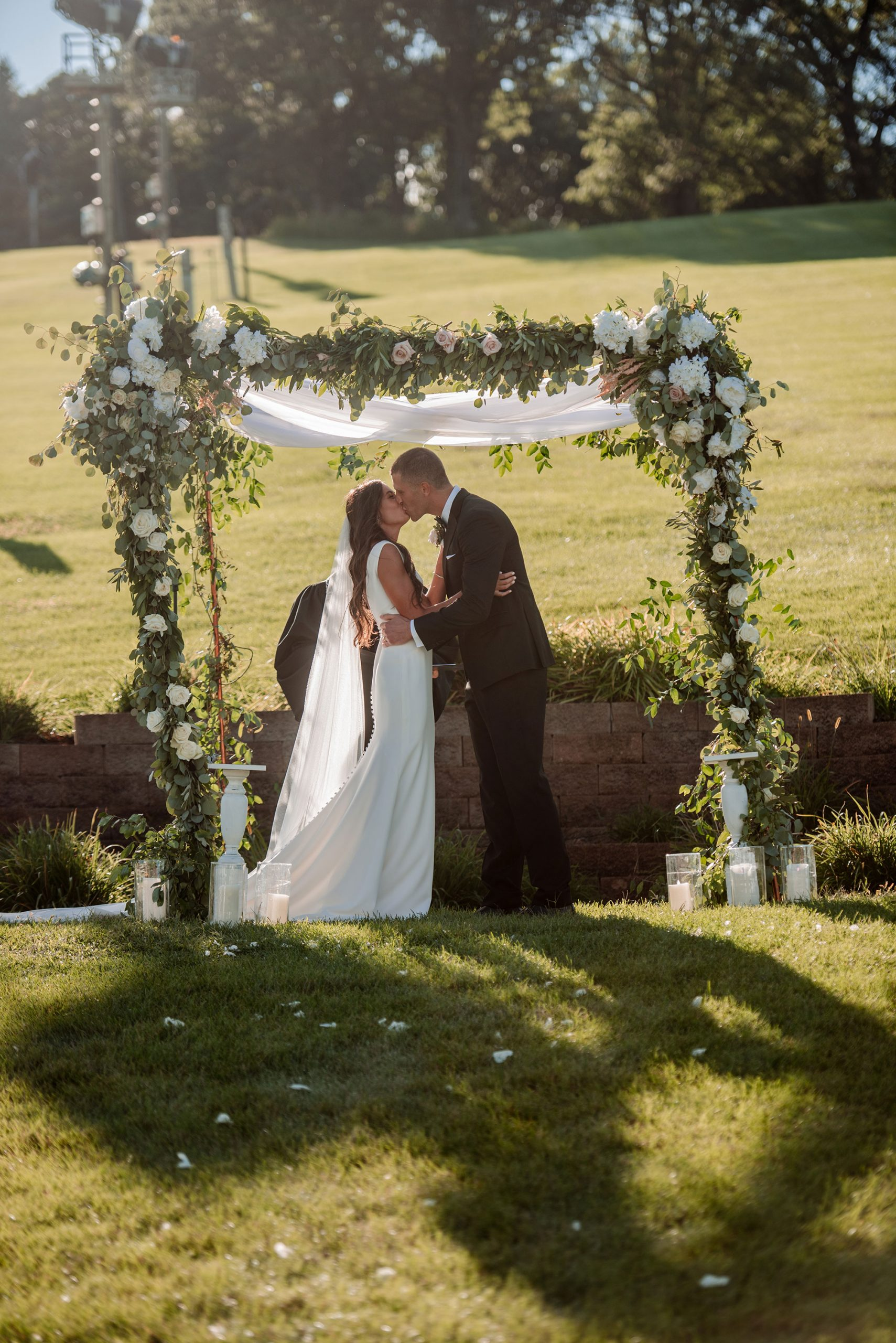 large outdoor wedding covid consious hyland hills mn wedding