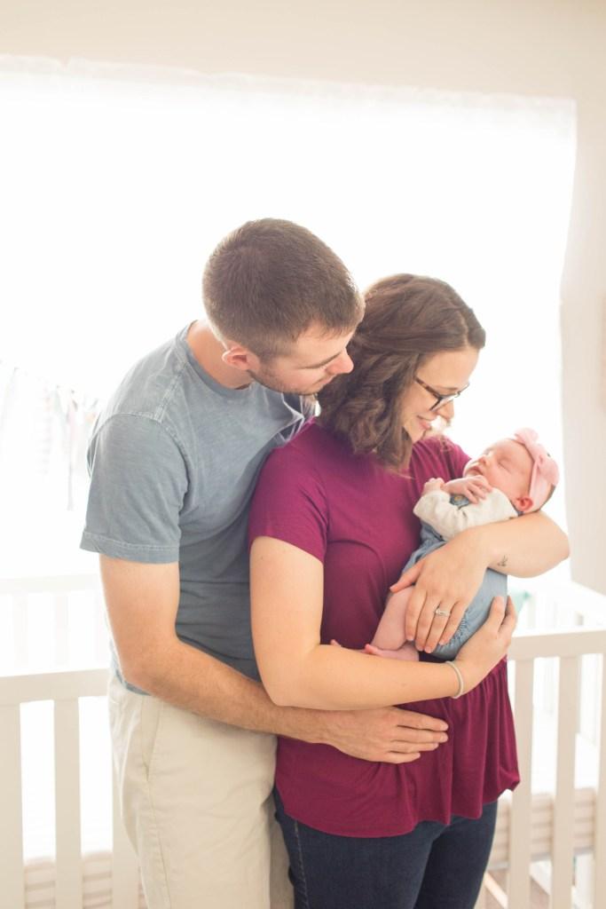 Lifestyle Newborn | Becca Sue Photography (beccasuephotography.com)