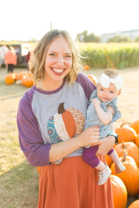 Pumpkin Patch Pictures   Becca Sue Photography - beccasuephotography.com