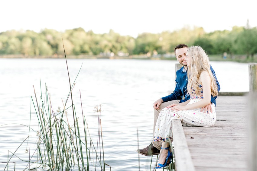 Lakeside Engagement Session (Dallas, Texas)   Becca Sue Photography - www.beccasuephotography.com