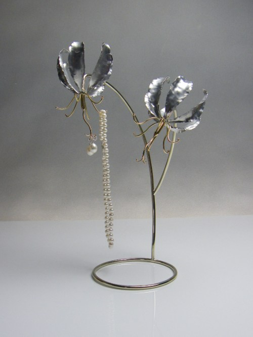 Metal, aluminium Fire Lilly Jewellery Stand