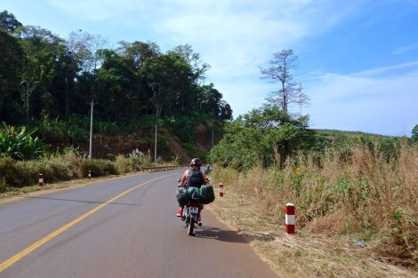 Första bilden från vägen i Kambodja!