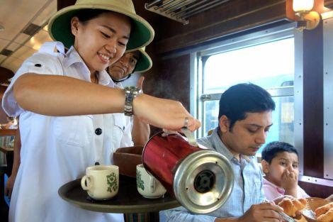 Kaffe? Te? Även om vi vanligen helst dricker kaffe var det verkligen tid för te!