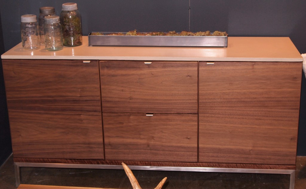 Console in riffed oak by Style Garage