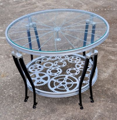 Recyclr recycled bicycle into a coffee table