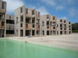 the buildings at the Salk Institute are six stories high