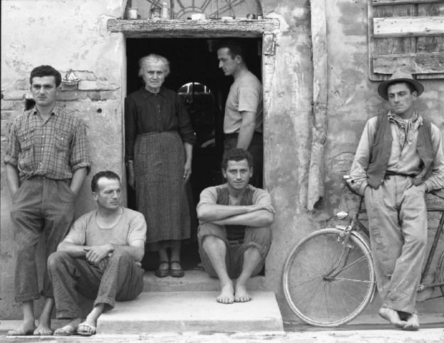 paul_strand_the_family_luzzara_italy_1953