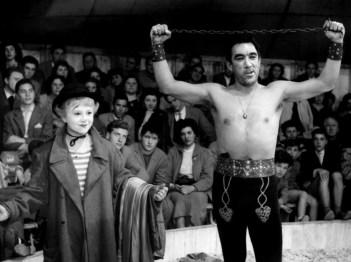 Anthony Quinn and Giulieta Masina in Federico Fellini's La Strada (1954).