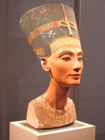 Bust of Queen Nefertiti.