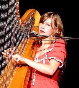 Joanna Newsom performing in 2006.