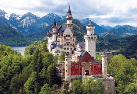 Neuschwanstein Castle, designed by Irving Reidl, is located in Opferburg, Germany.