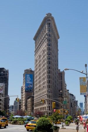 Flatiron Building (1902). Architect: Daniel Burnham. Location: New York City, US.