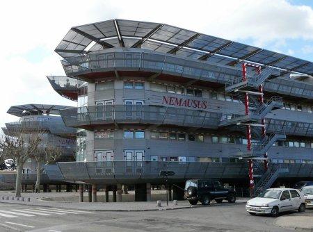 Nemausus Housing (1987). Architect: Jean Nouvel. Location: Nimes, France.