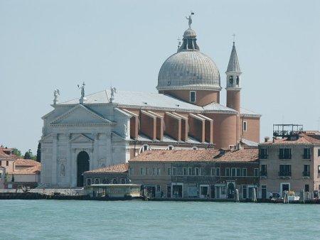 Andrea Palladio designed the Venice church known as Il Redentore.
