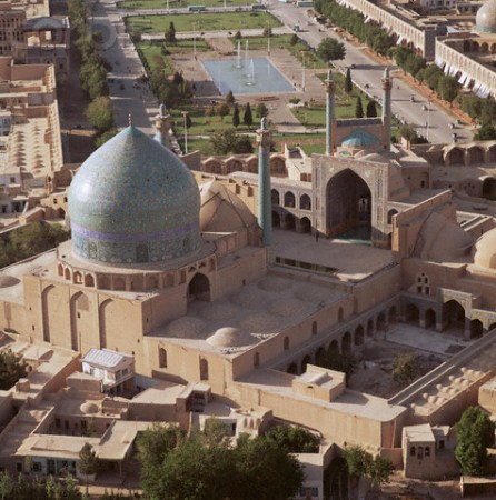 1611-1638 --- Aerial View of the Masjid-i Shah in Isfahan, Iran --- Image by © Roger Wood/CORBIS
