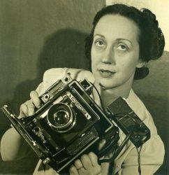 A 1940 photograph of Barbara Morgan.