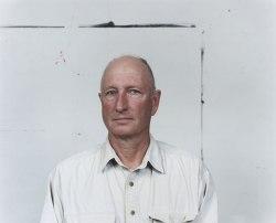 A 2009 photograph of Bruce Nauman by Jason Schmidt.