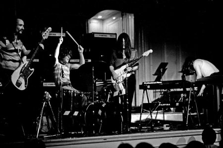 can in concert