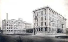 The North Building housed the administrative offices of the medical school, an assembly hall, the library, and the departments of preventive medicine, experimental surgery, and anatomy. The South Building housed the departments of physiology, pharmacology and biological chemistry.