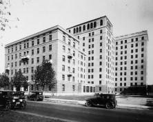 The Nurses' Home was located just north of Children's Hospital on Kingshighway. The first floor included a reception room, a classroom and administrative offices. The upper floors were arranged to accommodate 80-90 nurses. Bathroom facilities were provided on each floor, and each room was equipped with a single bed, a sink with running water, and a closet.