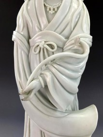 18TH C BLANC de CHINE GUANYIN (11)
