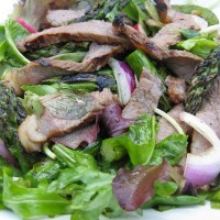 Asian Sesame Ginger Steak Salad