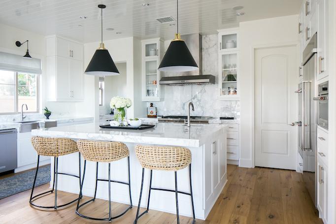 modern coastal kitchen becki owens estillo & Estillo Project - Classic Modern KitchenBECKI OWENS