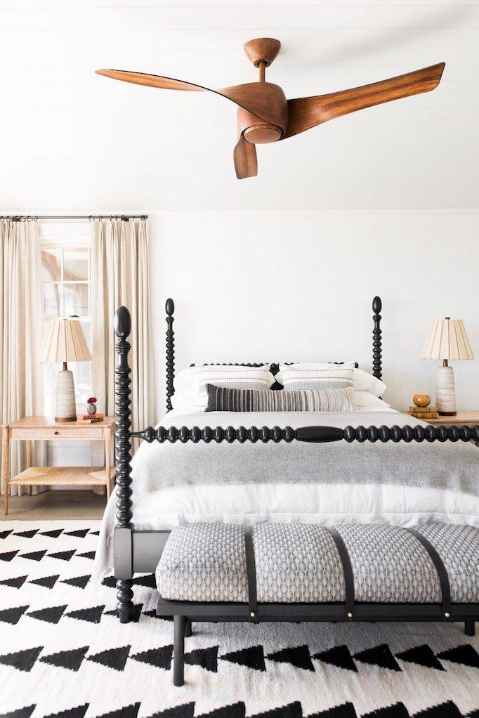 Dormitorio con decoración elegante