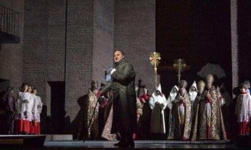 George Gagnidze (Scarpia) © Marty Sohl/Metropolitan Opera