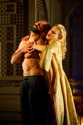 Franck Saurel (Pasha Selim) and Sally Matthews (Konstanze) © Richard Hubert Smith