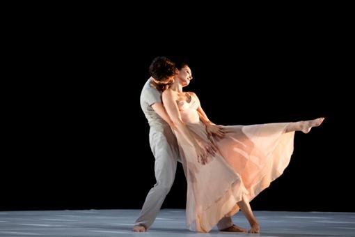 Scène d'Amour: Emanuela Montanari, Antonino Sutera © Bernd Uhlig