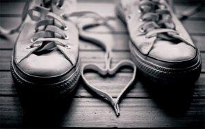 Beckons Yoga Clothing heart shoe strings