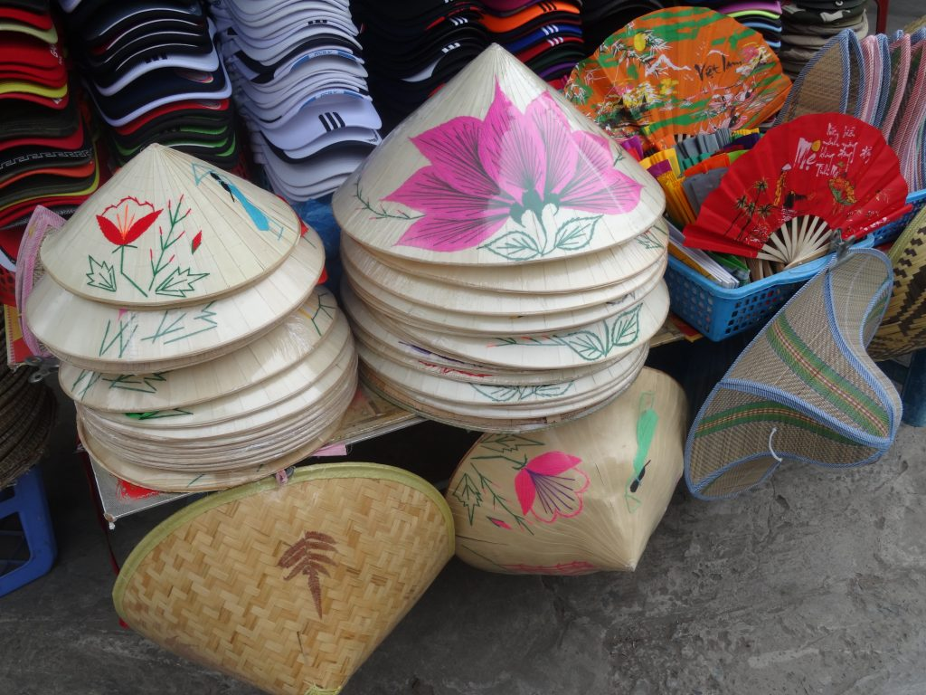 Mistakes of first time travellers: buying too many souvenirs