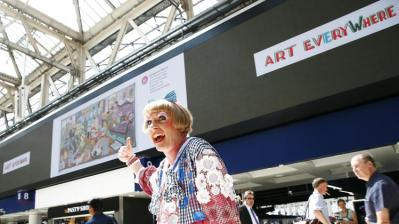 Grayson Perry looking at art everywhere