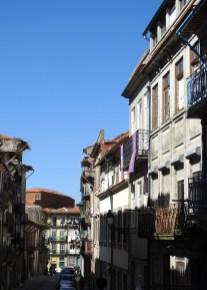 I think Rua de São Bento da Vitória