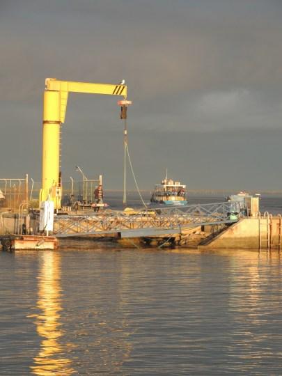 Armona ferry