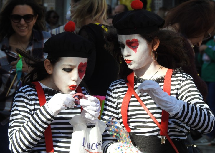 Mime at the carnival