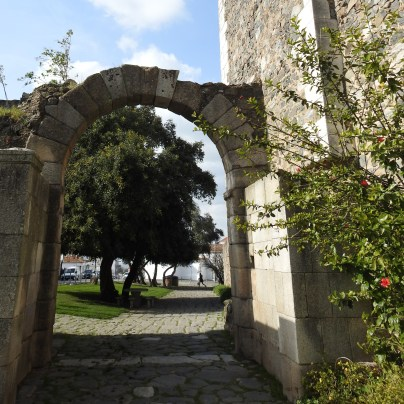 an original Roman arch, with Roman roadway underneath