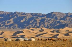 Singing Dunes of the Gobi Desert http://travel.prwave.ro/khongoryn-els-the-singing-dunes-literally-gobi-desert-mongolia/