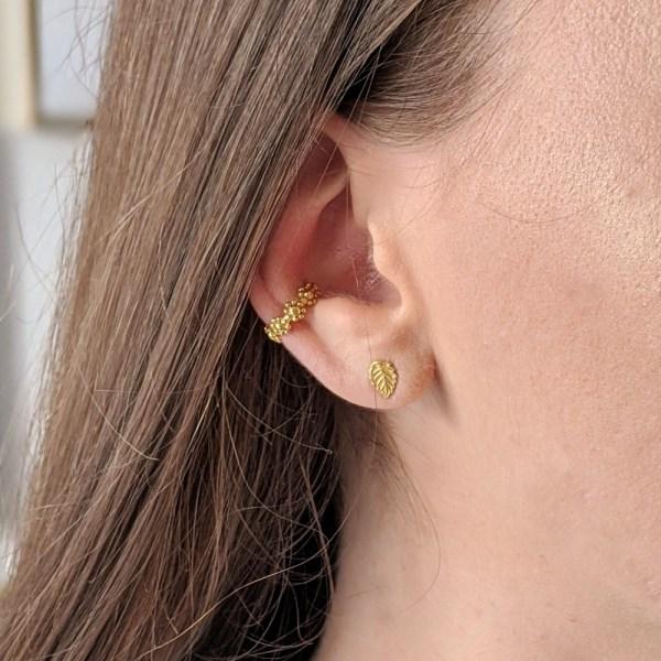 Daisy Chain Ear Cuff - Gold