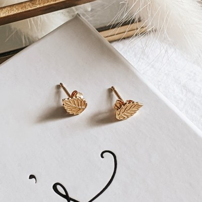 Leaf Stud Earrings - Gold