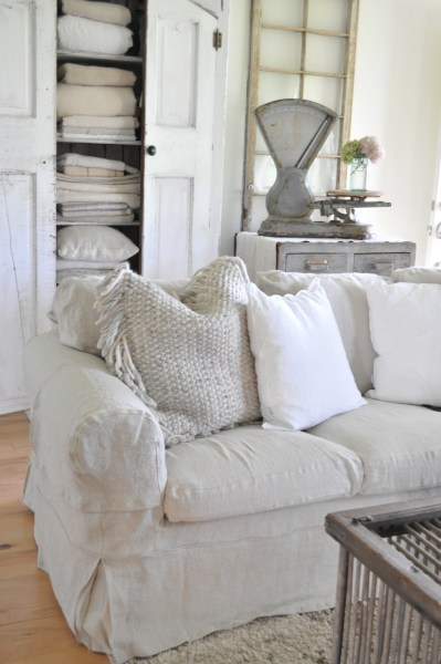 Sofa Slipcovers   Becky s Farmhouse BEMZ DESIGNS is a Swedish based company that grew from an idea sparked by  the owner  Lesley Pennington  They make custom slipcovers  for sofas or  chairs