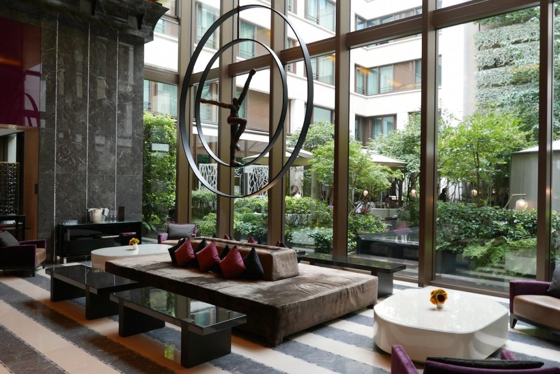 restaurant review camelia mandarin oriental paris becky van dijk. Black Bedroom Furniture Sets. Home Design Ideas