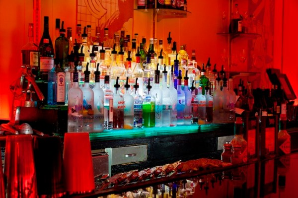 Cruis Room bar