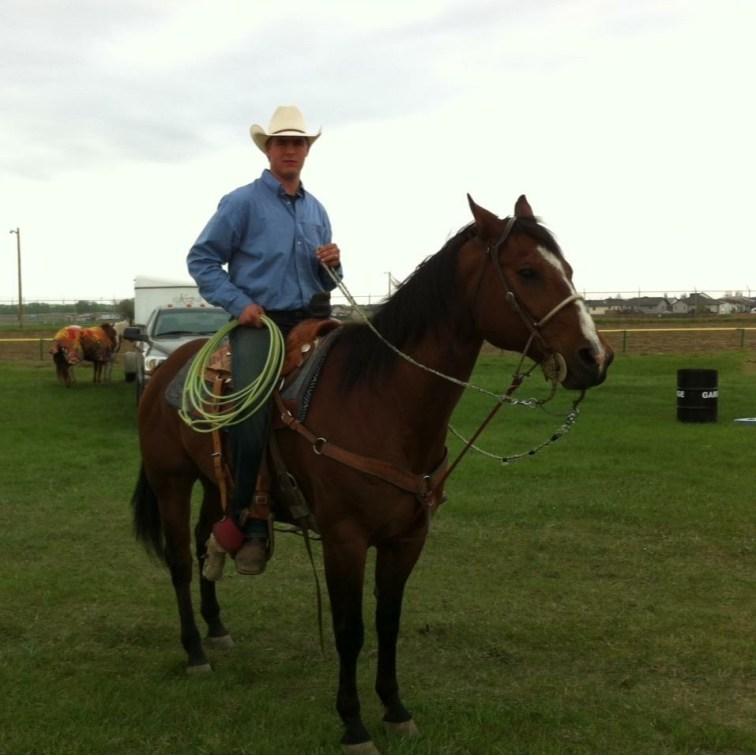 Cody and Tex getting ready to rope