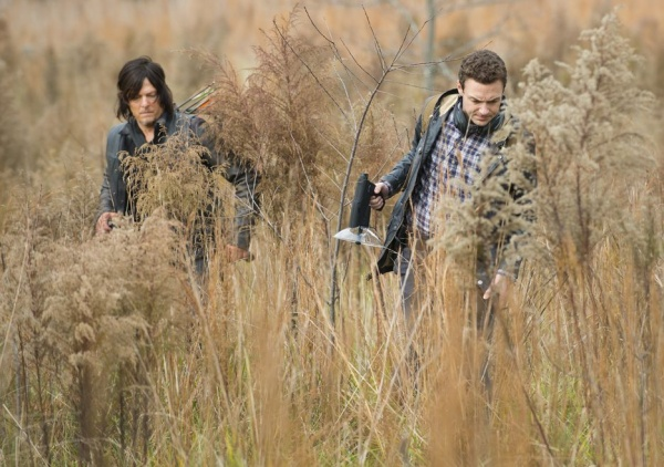 The-Walking-Dead-5-Temporada-S05E16-Daryl-Aaron