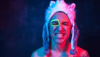 """Entrevista: Danilo Leonardi fala sobre """"cura gay"""" e sua influência para o meio LGBTQ+"""