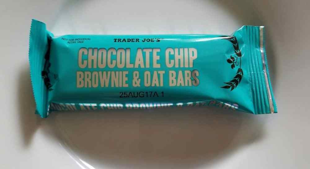 Trader Joes Chocolate Chip Brownie and Oat Bar