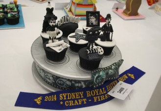 A Hollywood inspired cupcake craft